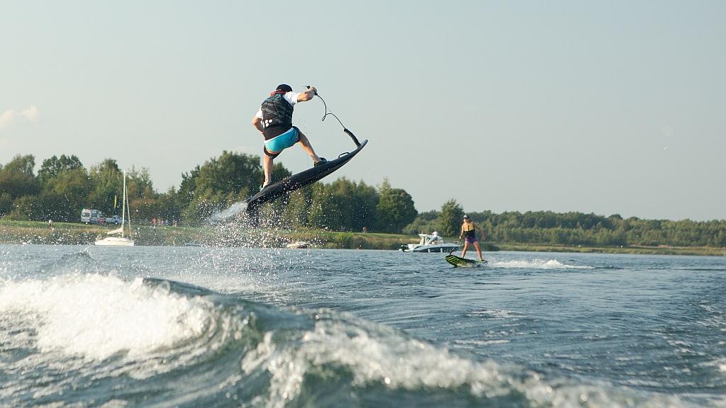 jetsurf-msr-motodeski-spalinowe-skoki