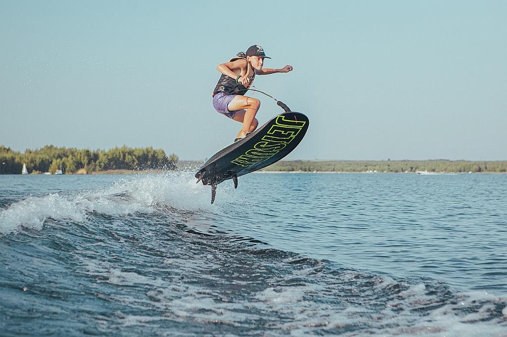 jetsurf-race-dfi-deska-spalinowa-bezposredni-wtrysk-paliwa