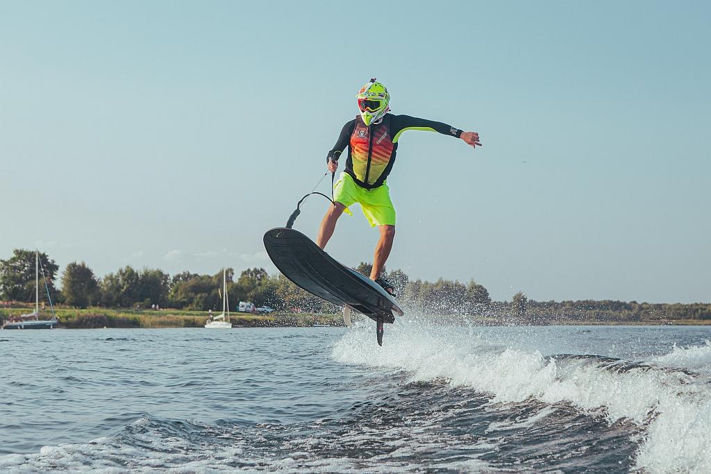 jetsurf-race-titanium-deski-surfingowe-silnik-spalinowy