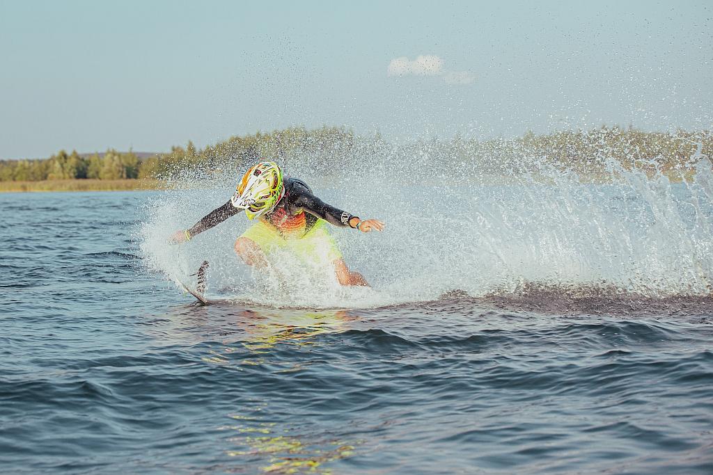 motosurf-skoki-jetsurf-pogoria-deski-silnik-spalinowy